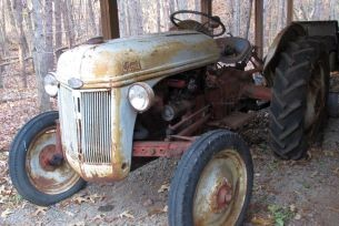Lake Anna Vintage Ford Tractor Online Auction